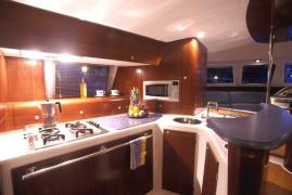 alquiler-catamaranes-motor-valencia-ibiza-09.jpg